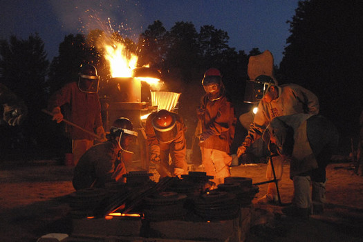 salem art works iron pour