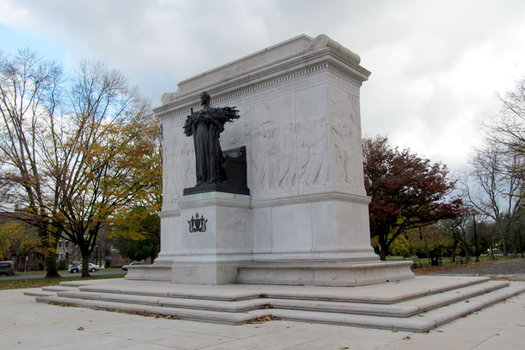 soldiers and sailors monument front