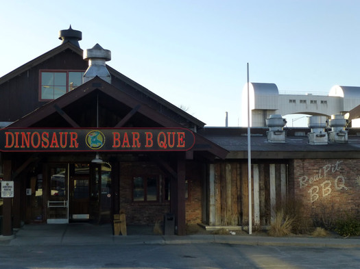 dinosaur bar-b-que exterior front 2013-March
