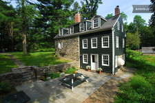 airbnb_new_paltz_200_year-old_house