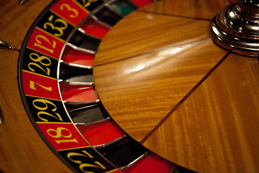 roulette wheel by Hakan Dahlstrom Flickr