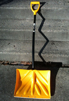 angle handle snow shovel