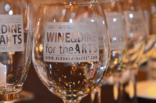 wine and dine for the arts wine glasses