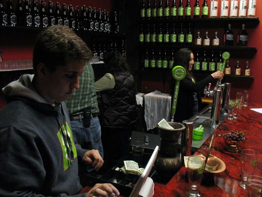 Thumbnail image for nine_pin_cider_grand_opening_3.jpg