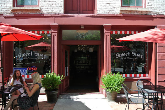 Sweet Sue's exterior on River Street in Troy