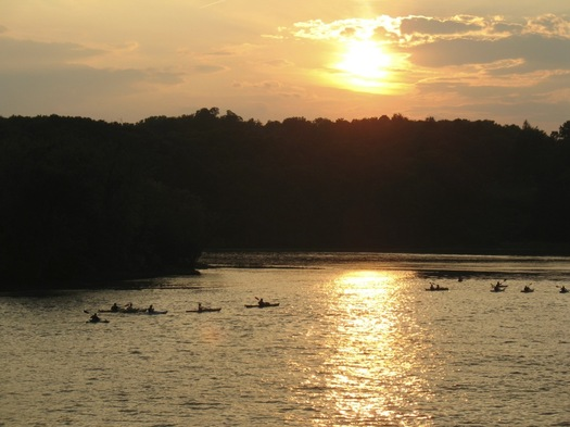 hudson river sunset kaykers