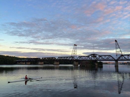livingston ave bridge train skiff hudson river
