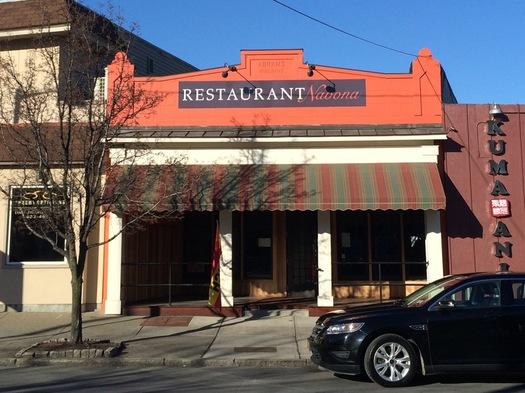 restaurant navona albany exterior