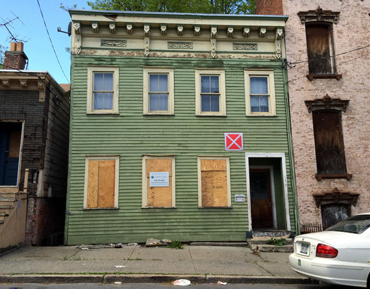 Albany vacant building red warning box Broad Street 2016-05-09