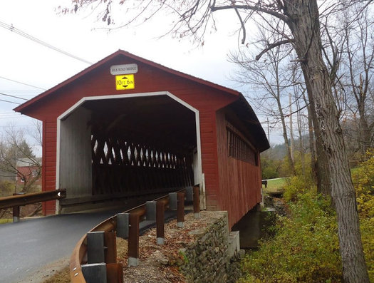 vermont covered bridge near Bennington