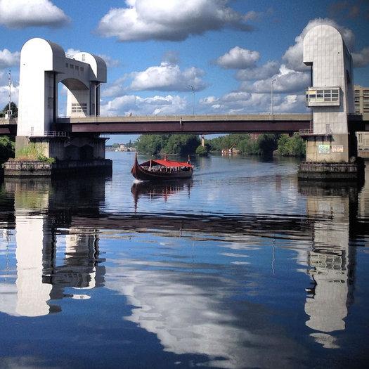 viking ship under Green Island Bridge