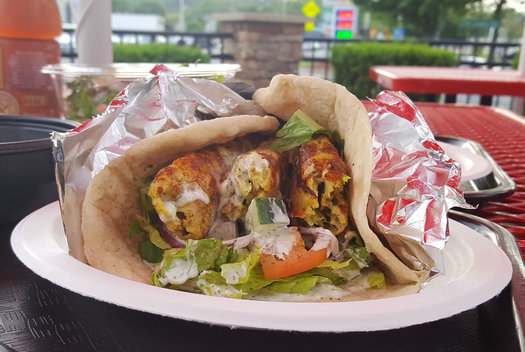 zaitoon kitchen chicken wrap