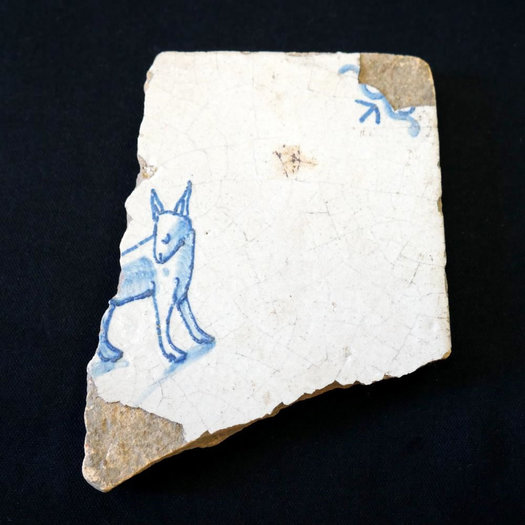 SchuylerFlatts delft tile with dog pattern