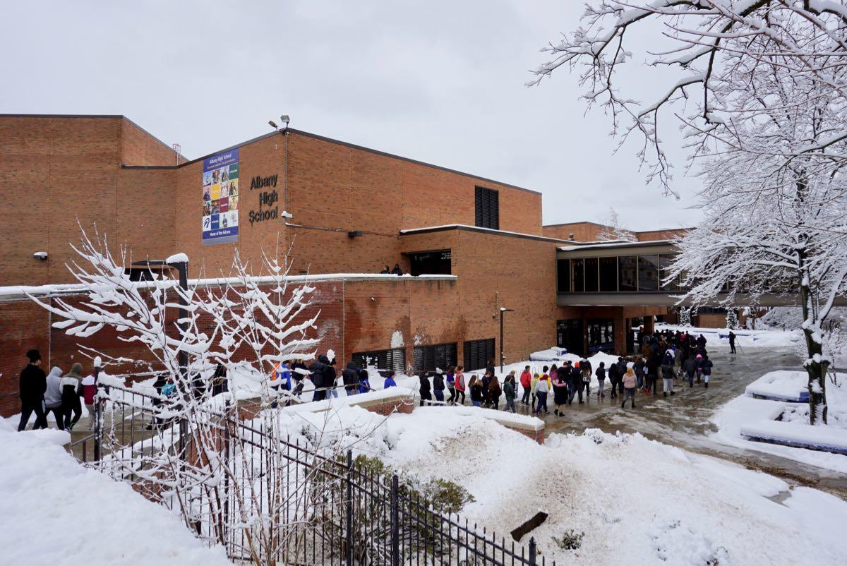 Albany_High_School_walkout_2018-03-14_17.jpg