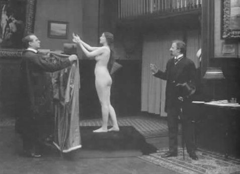 Audrey_Munson_as_nude_art_model_in_movie_Inspiration_(1915).jpg