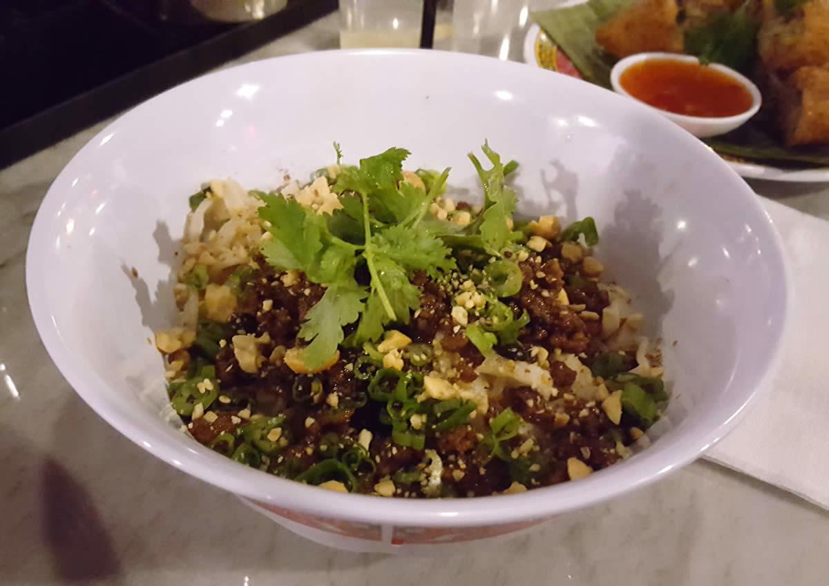 Buddha Noodle dan dan noodles