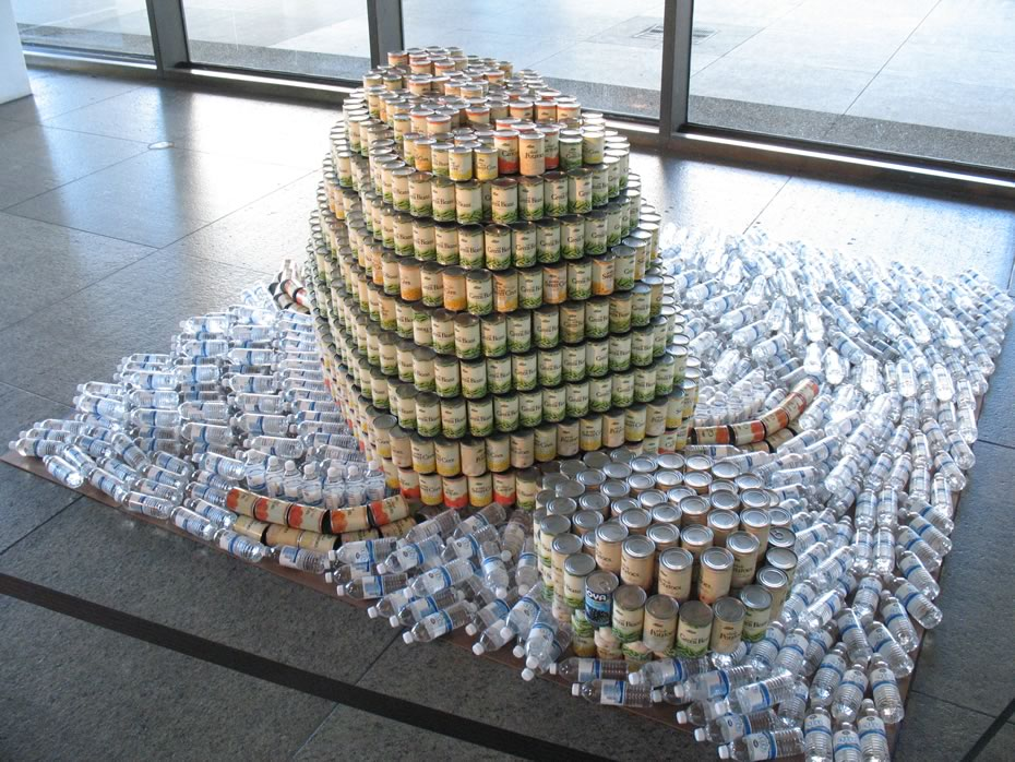 Canstruction2012_turtle.jpg