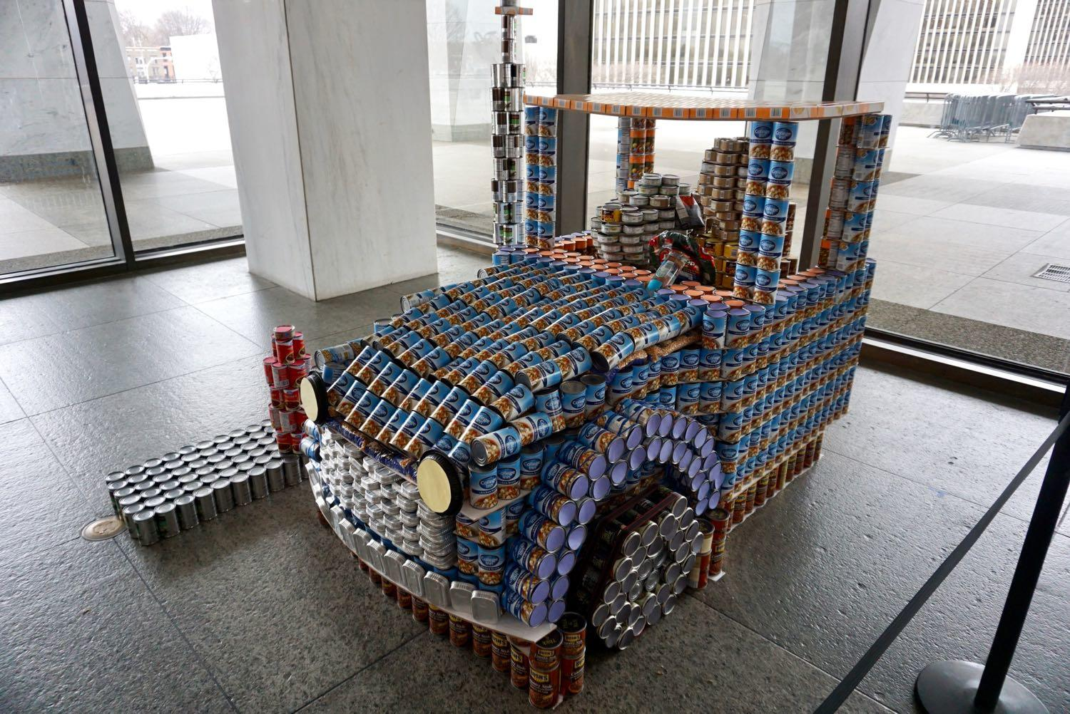 Canstruction2018_Snoopy_car.jpg