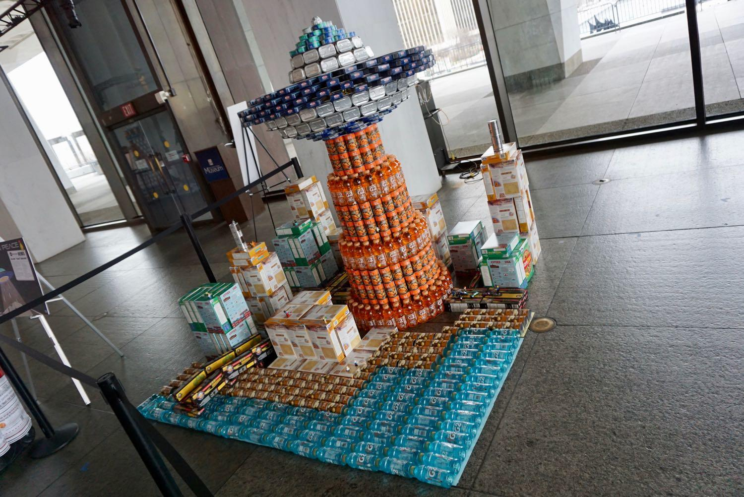 Canstruction2018_flying_saucer.jpg