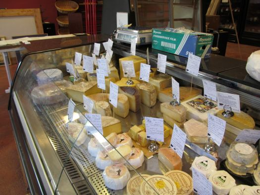 Cheese Traveler cheese case 1.jpg