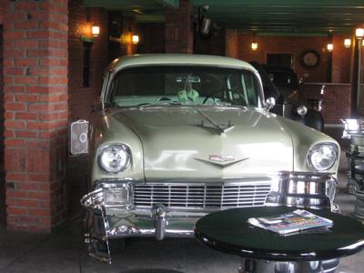 Classic Car 2.JPG
