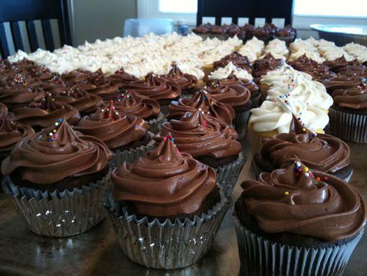 Cupcakes AOA bday 4.jpg