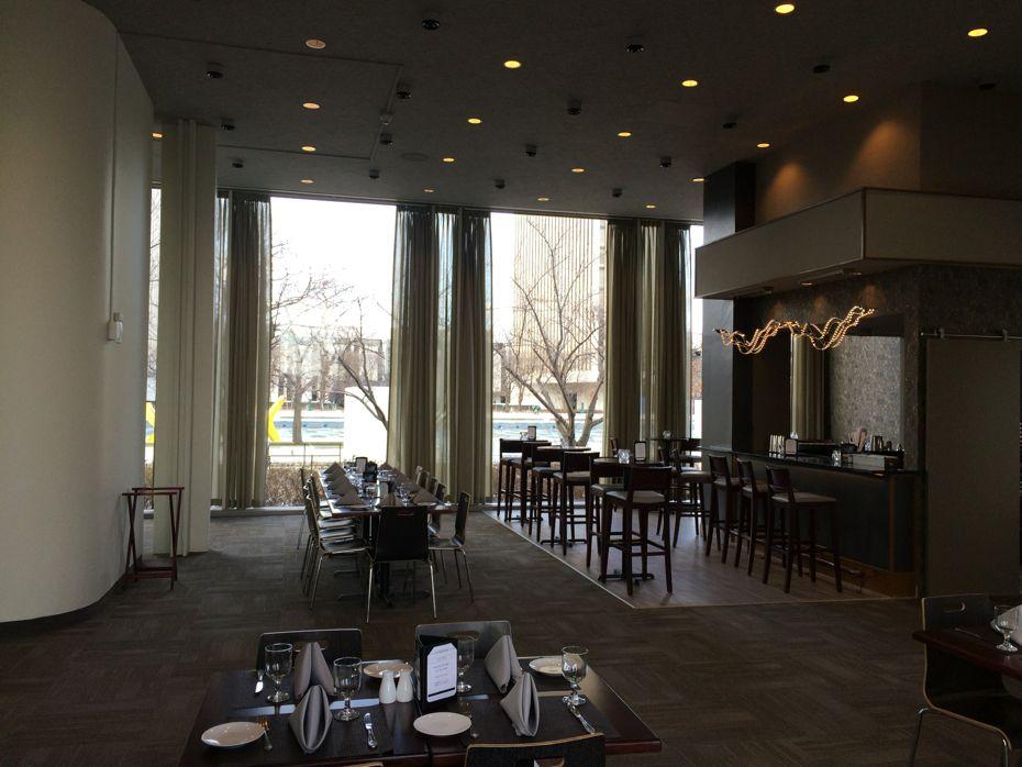 Empire_State_Plaza_Cornerstone_restaurant_3.jpg