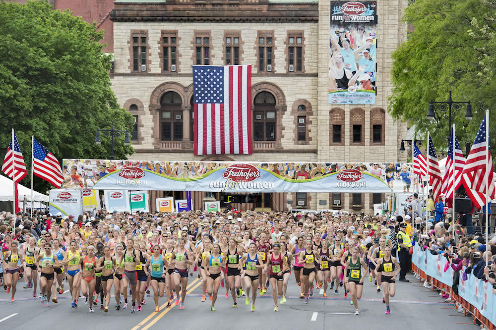 Freihofers Run For Women start 2017