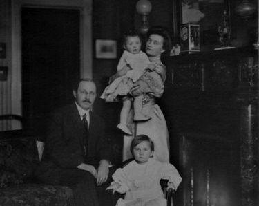Gardner Cotrell Leonard & Family.jpg