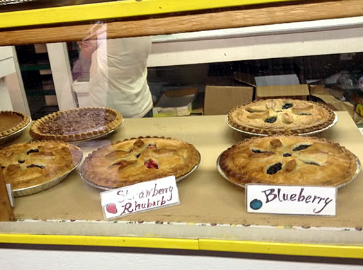 Green_Acres_farm_bakery_pies_in_case.jpg