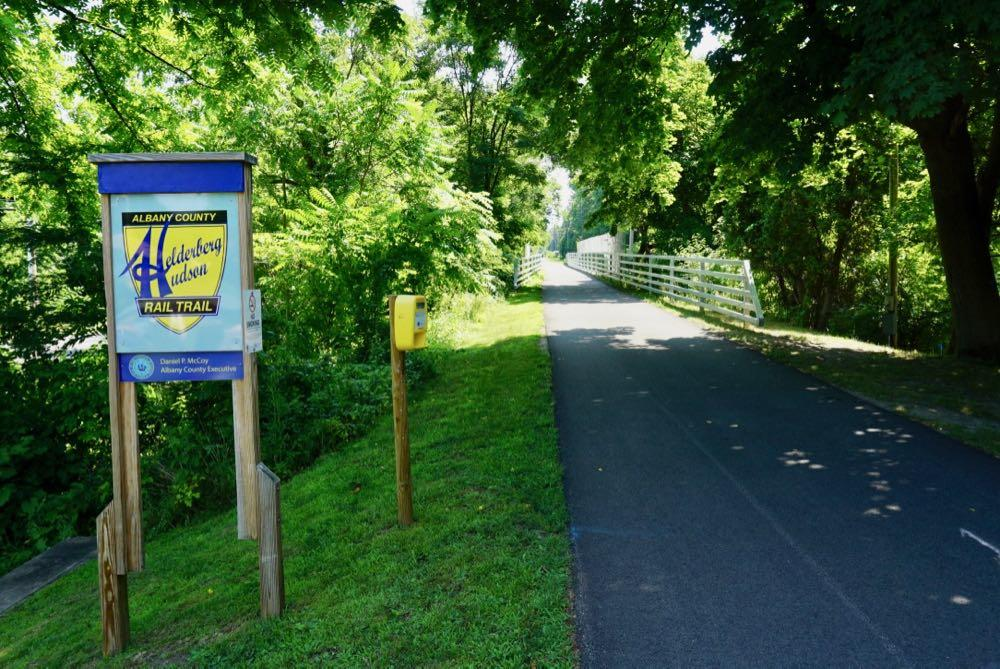 Helderberg Hudson Rail Trail 2018-07-11 rail trail sign