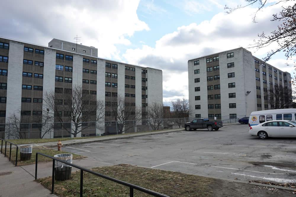 Ida_Yarbrough_Homes_high_rises.jpg