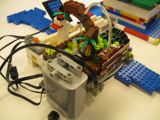Lego hydro power station.jpg