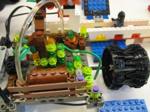 Lego hydroplant motor cu.jpg