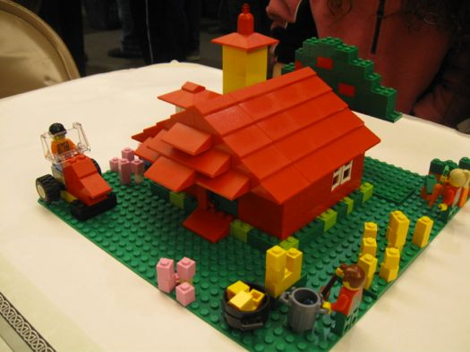 Lego little red barn.jpg