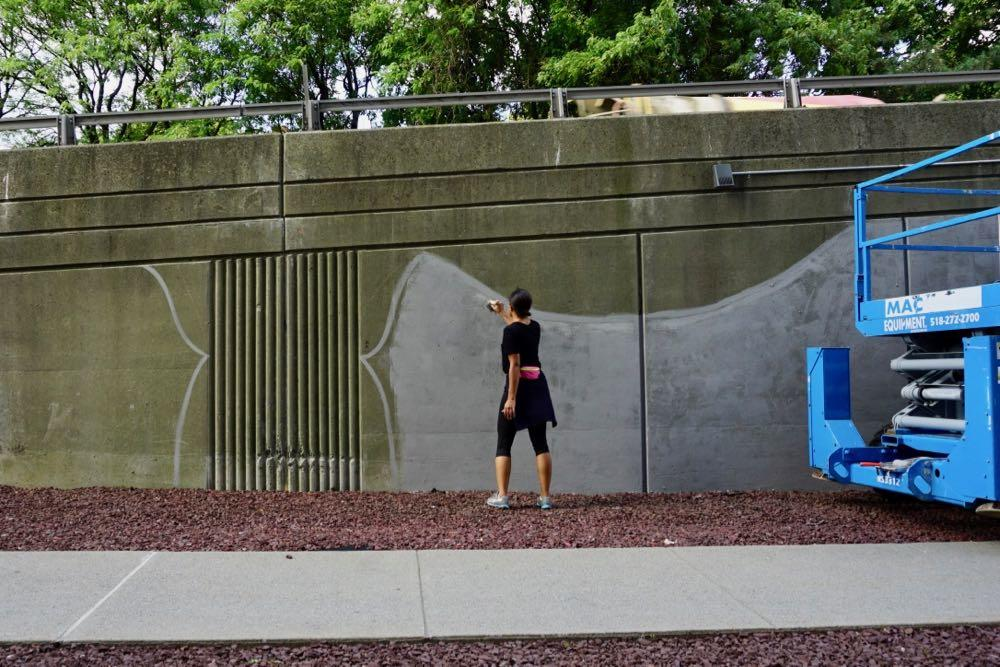 Liz Zunon Clinton Ave ramp mural in progress 2018-08-14