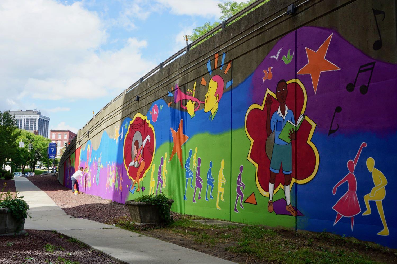 Liz_Zunon_mural_downtown_Albany_2.jpg