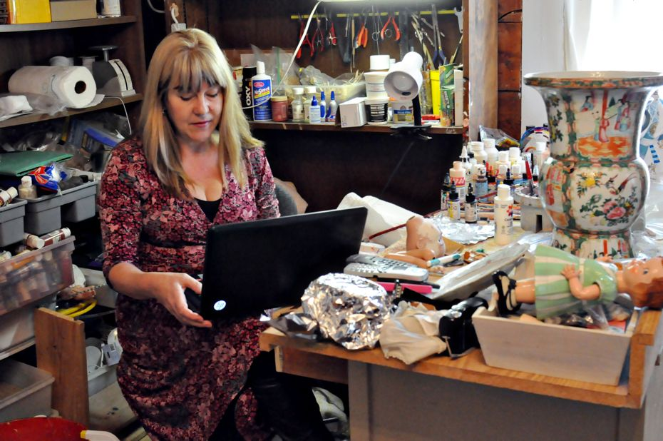Melody Howarth workingdesk.jpg