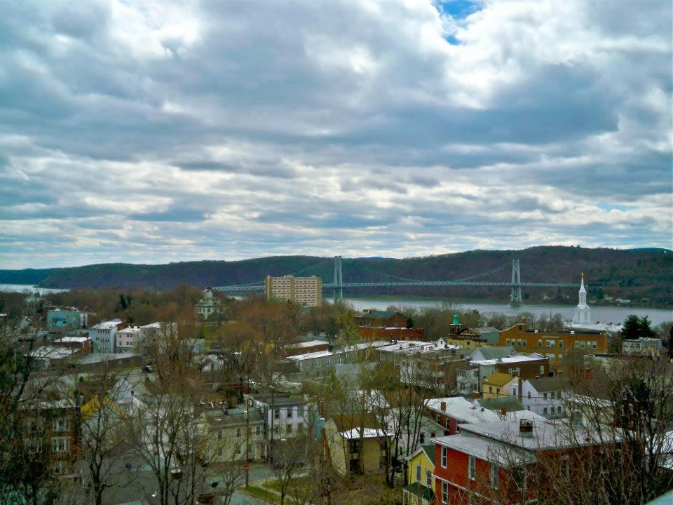 Mid-Hudson_Valley_Julie_Madsen_walkway_over_the_hudson.jpg