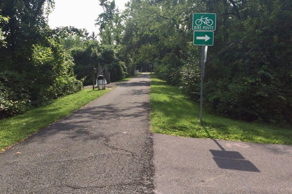 Mohawk Hudson Bike-Hike Trail bike route sign