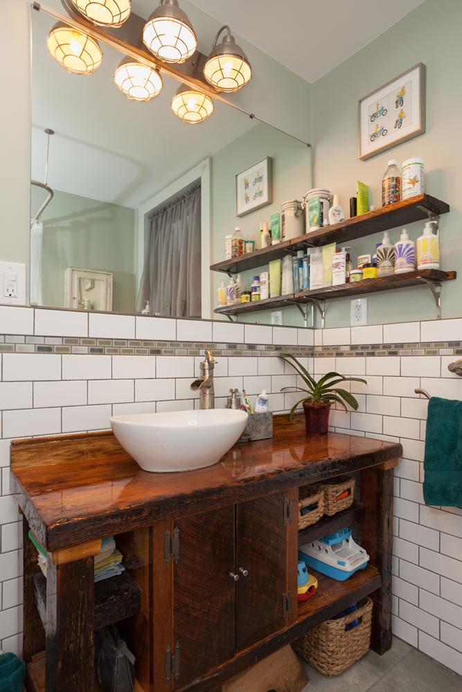 OpenHouse_RL_Pine_Hills_bathroom.jpg