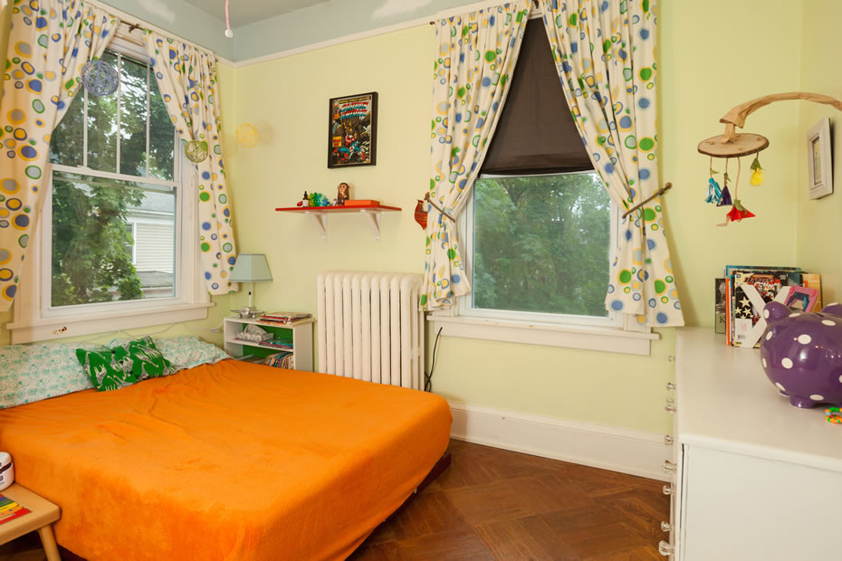OpenHouse_RL_Pine_Hills_bedroom_bright.jpg