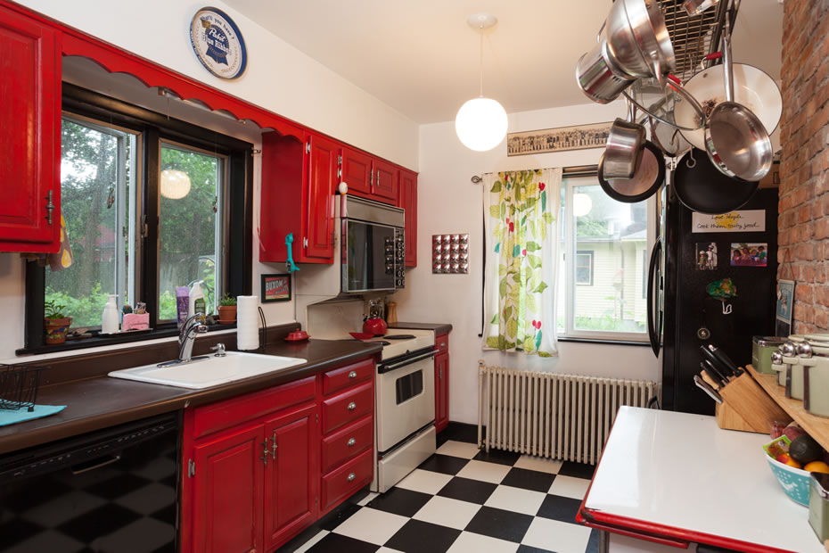 OpenHouse_RL_Pine_Hills_kitchen_1.jpg