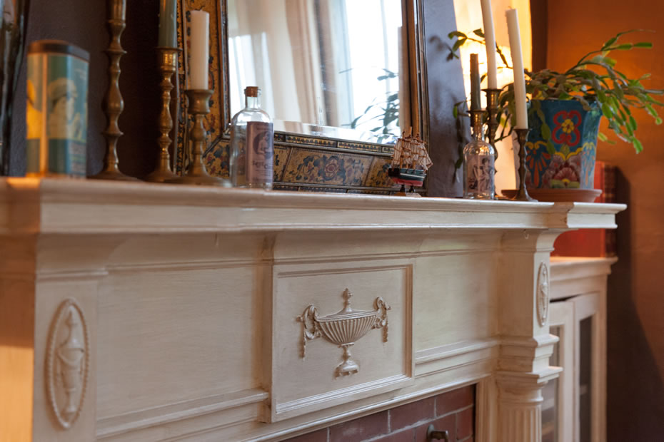 OpenHouse_RL_Pine_Hills_living_room_mantle_detail.jpg