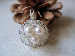 Pearl pendant.jpg