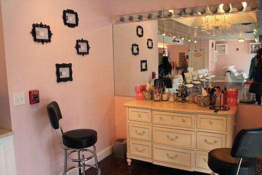 Pin Up's Makeup station.jpg