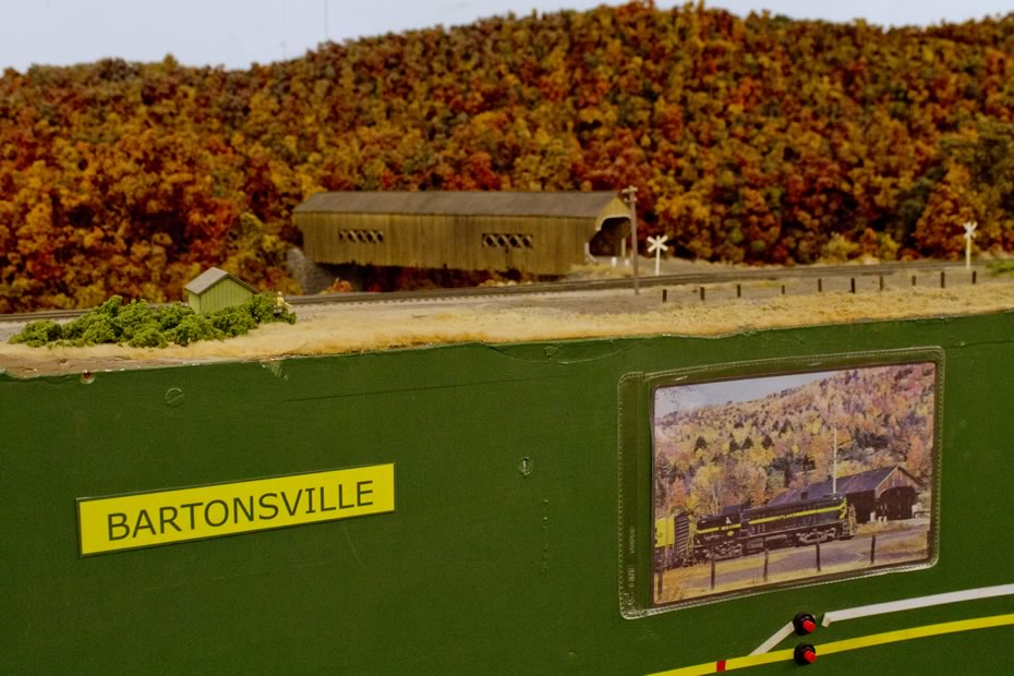 RPI_trains_Bartonsville_with_covered_bridge_and_source_photo.jpg
