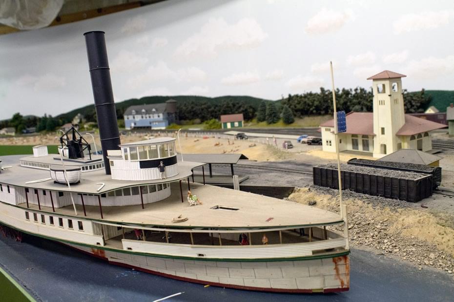 RPI_trains_Lake_George.jpg