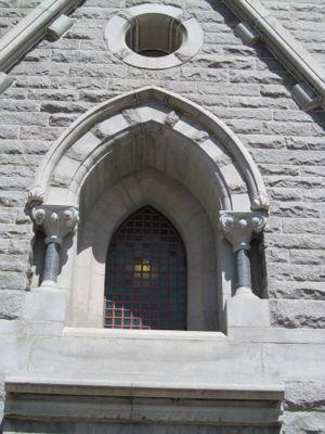 Saratoga monument -empty arch.jpg