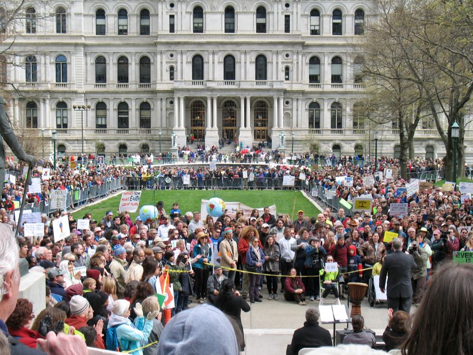 Science_March_Albany_crowd_3.jpg